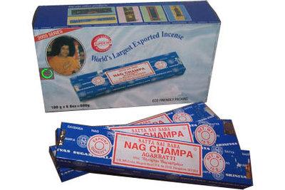 Nag Champa wierookstokjes doos van 12 x 15gr